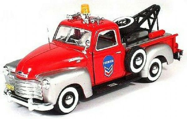 Cararama 1/43 O Scale Chevrolet C1300 Breakdown tow truck Silver red Chevron